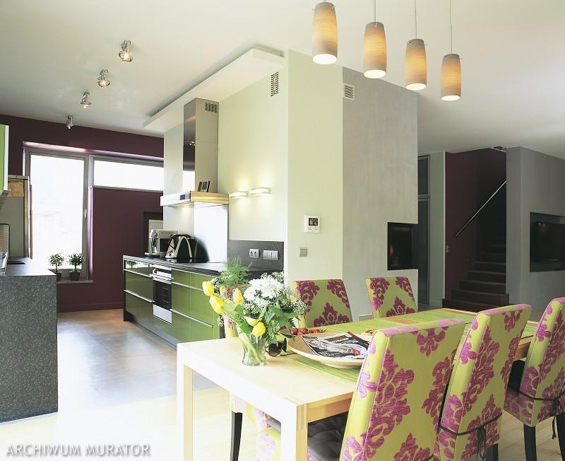 Oświetlenie domu: jaka lampa najlepiej zastąpi światło dzienne w mieszkaniu