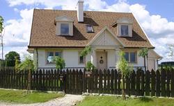 Niedrogie pokrycia dachowe: blacha stalowa i trapezowa, gonty bitumiczne, dachówki betonowe