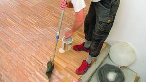 Olejowanie drewna. Dobierz olej do podłogi drewnianej