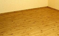 Sekrety układania podłogi z drewna egzotycznego