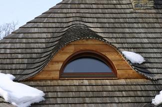 Zdrowe dachy – pokrycia z trzciny, gontu i wiórów