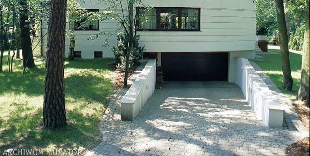 Garaż połączony z domem czy garaż w piwnicy? Wady i zalety rozwiązań