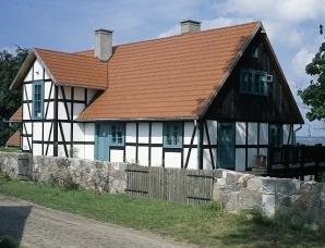 Dom szachulcowy - indywidualista w kratkę
