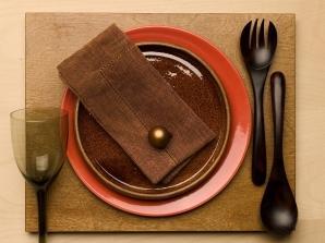 Nakrycie z podkładką z drewna egzotycznego